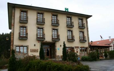 Hotel_Pepe_Soto_de_Luina_entrada